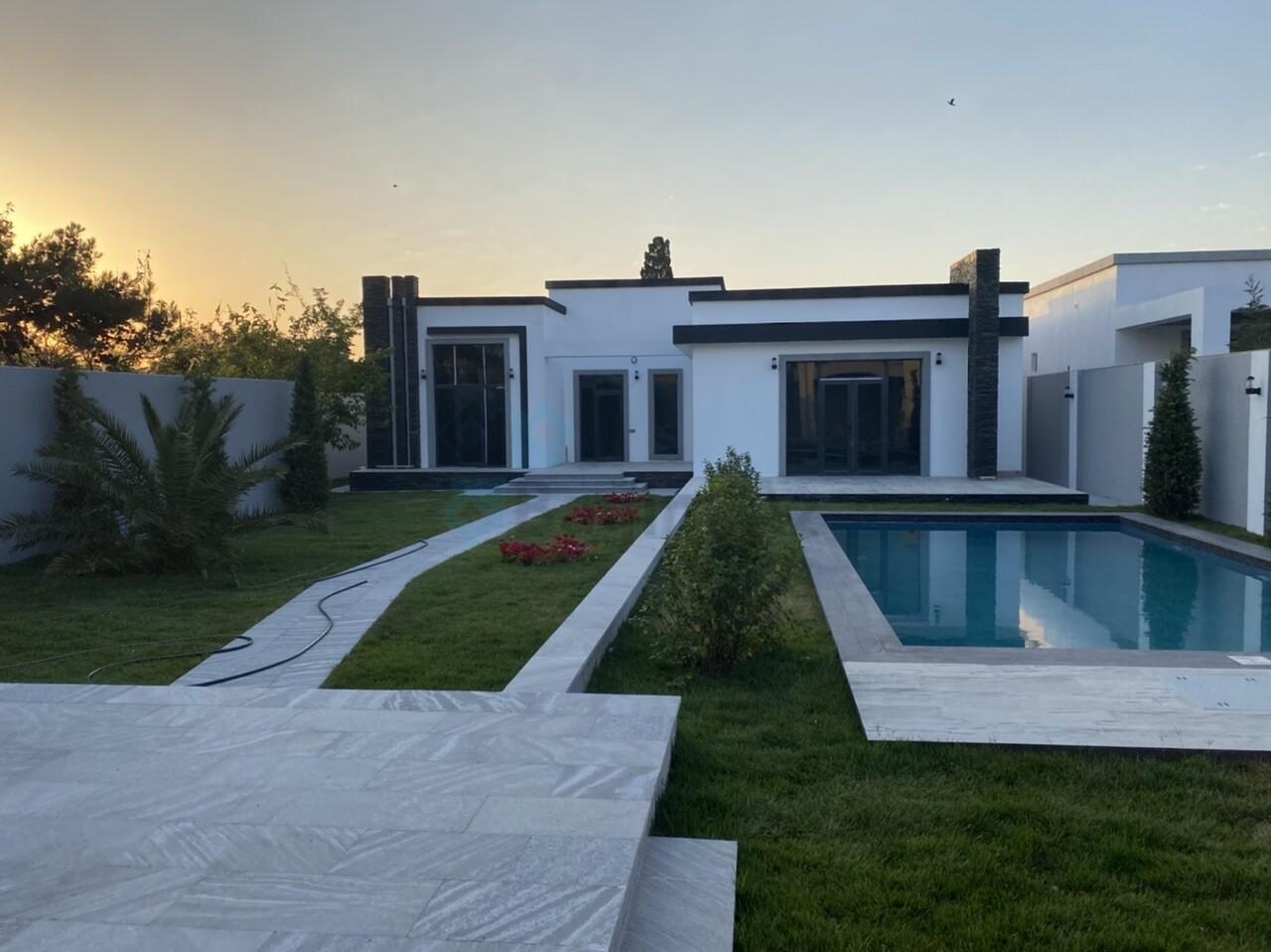 Mərdəkanda 8 sotda modern bağ evi